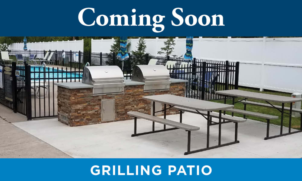 Enjoy Apartments with a BBQ Area at Park at Lake Magdalene Apartments & Townhomes in Tampa, Florida
