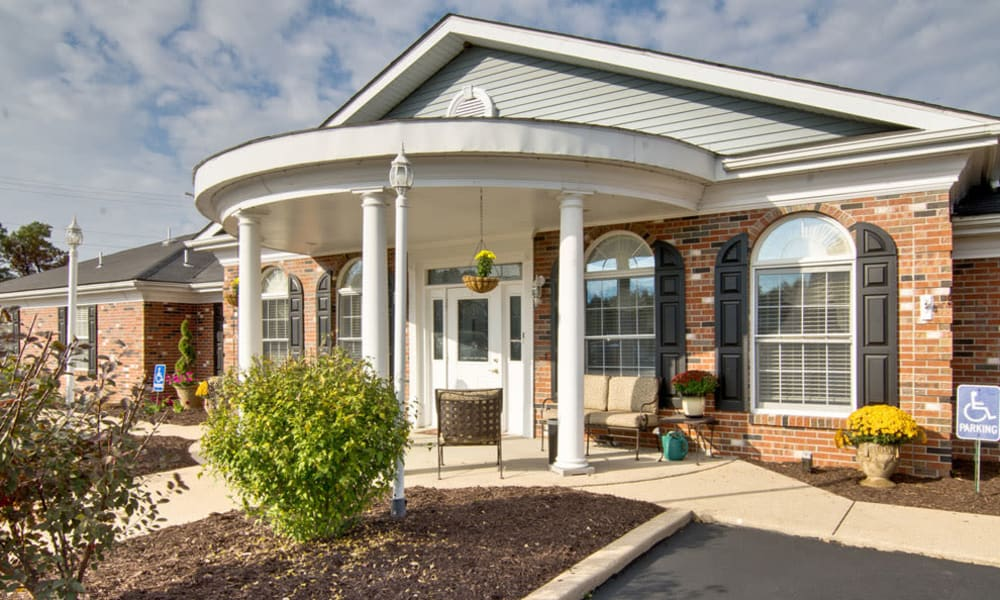 The front entrance at The Arbors at Dunsford Court in Sullivan, Missouri.