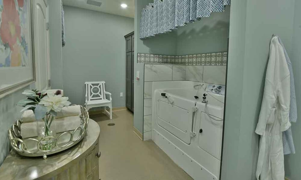 Spa Style Assisted Bathing at Two Bedroom Independent Living Cottage at Field Pointe Assisted Living in Saint Joseph, Missouri