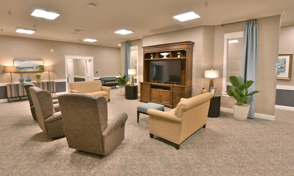 Field Pointe Assisted Living family room and television lounge in Saint Joseph