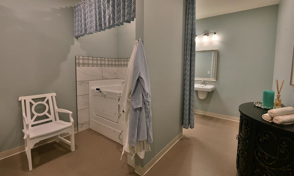 Assisted spa style bathing at Field Pointe Assisted Living in Saint Joseph, Missouri