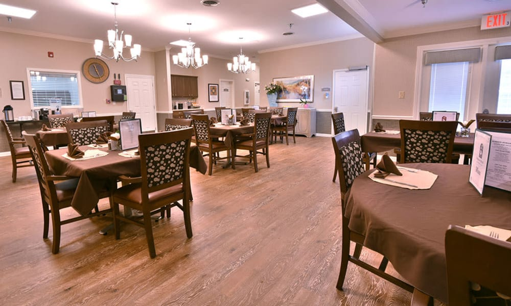 Dining Room at Dogwood Bend in Clarksville, Tennessee