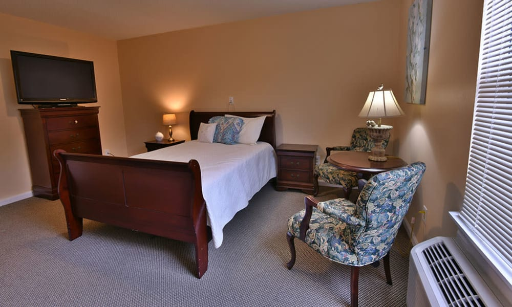 Resident Room at Dogwood Bend in Clarksville, Tennessee
