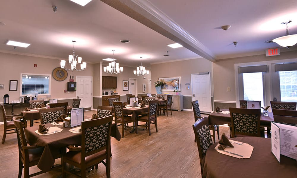 Dining at Dogwood Bend in Clarksville, Tennessee