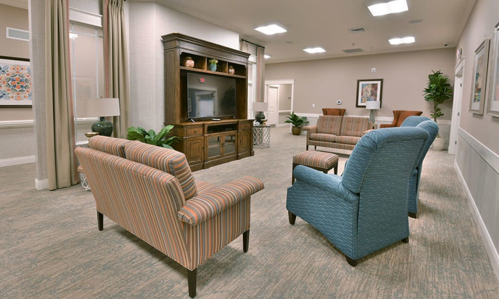 Television Lounge at Dogwood Pointe Senior Living in Milan, Tennessee
