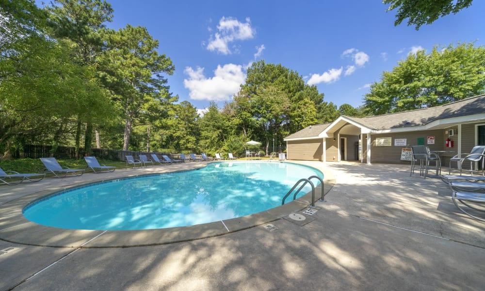 Swimming Pool at The Greens at Cascade Apartment Homes in Atlanta, Georgia