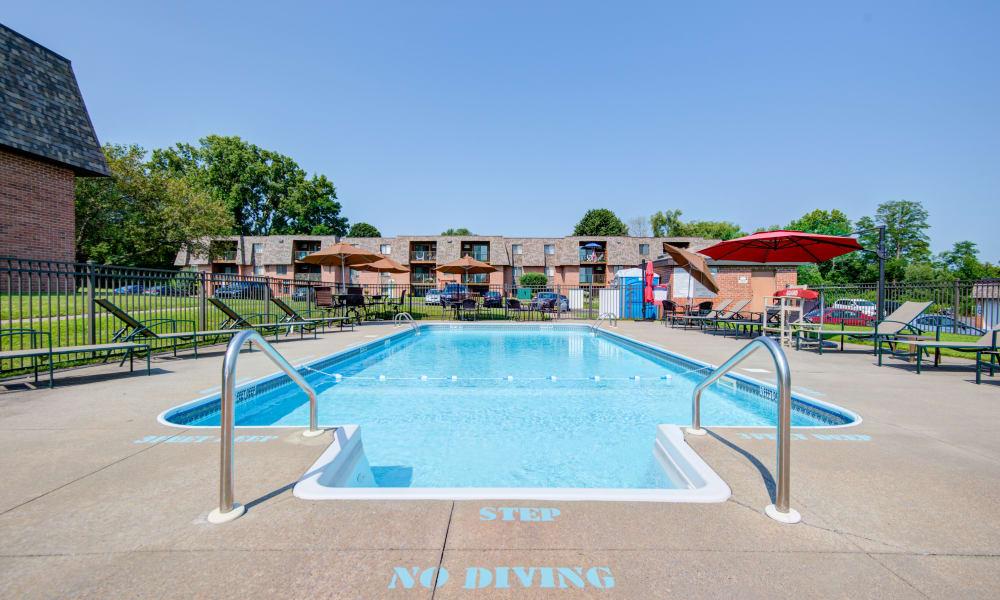 Beautiful swimming pool at Kimbrook Manor Apartments in Baldwinsville, New York