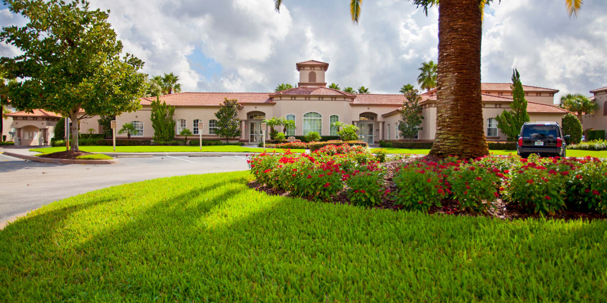 Open areas at Legends Lake Mary in Lake Mary, Florida