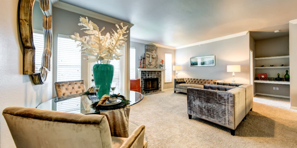 Living room at Marquis at Silver Oaks in Grapevine, Texas