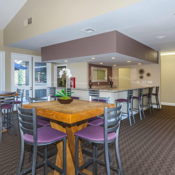 Dining area for residents at Parcwood Apartments