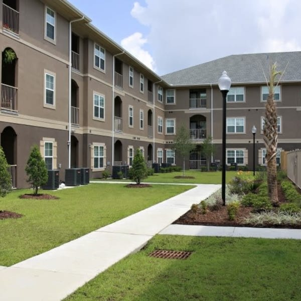Exterior of North Shore Apartment Homes in Slidell, Louisiana