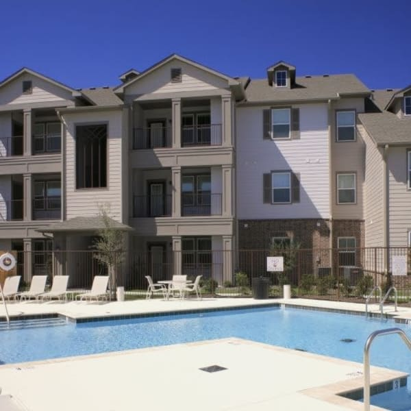 Resort-style swimming pool at Riverview Apartment Homes in Chalmette, Louisiana