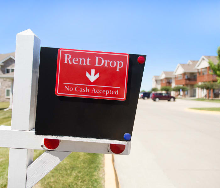 Rent drop box at The Reserve at Glenstone in Grimes, Iowa