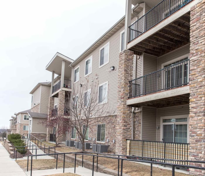 Exterior view of the apartments at Golf View in Pleasant Hill, Iowa