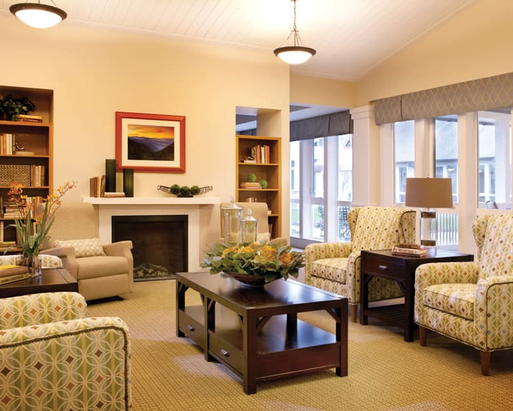 Communal seating area at Avenir Memory Care at Knoxville in Knoxville, TN