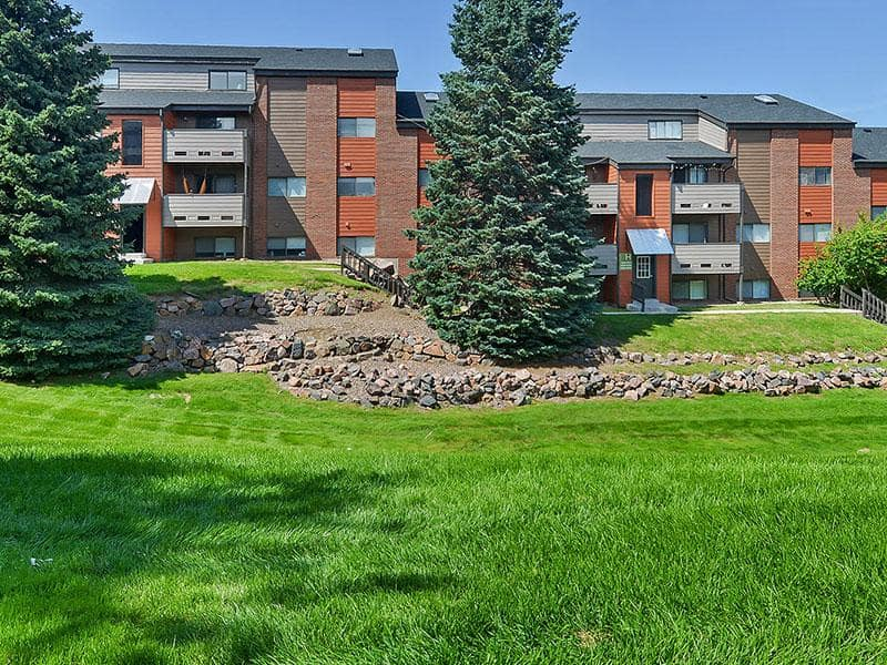Large green spaces at Ascend at Red Rocks