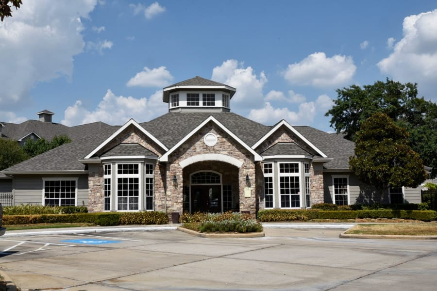 Closer view of exterior of the leasing office at The Club at Stablechase