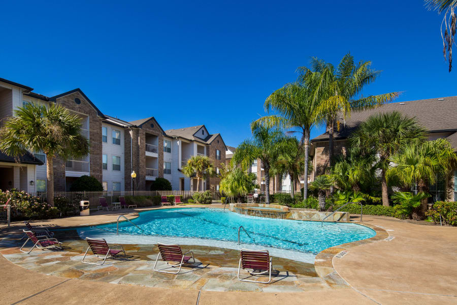 luxury pool and sunning area at Veranda in Texas City, Texas