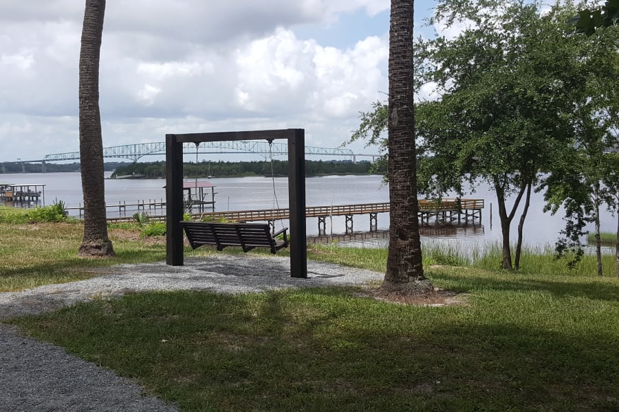 River access and beautiful view at Pier 5350 in Jacksonville, Florida
