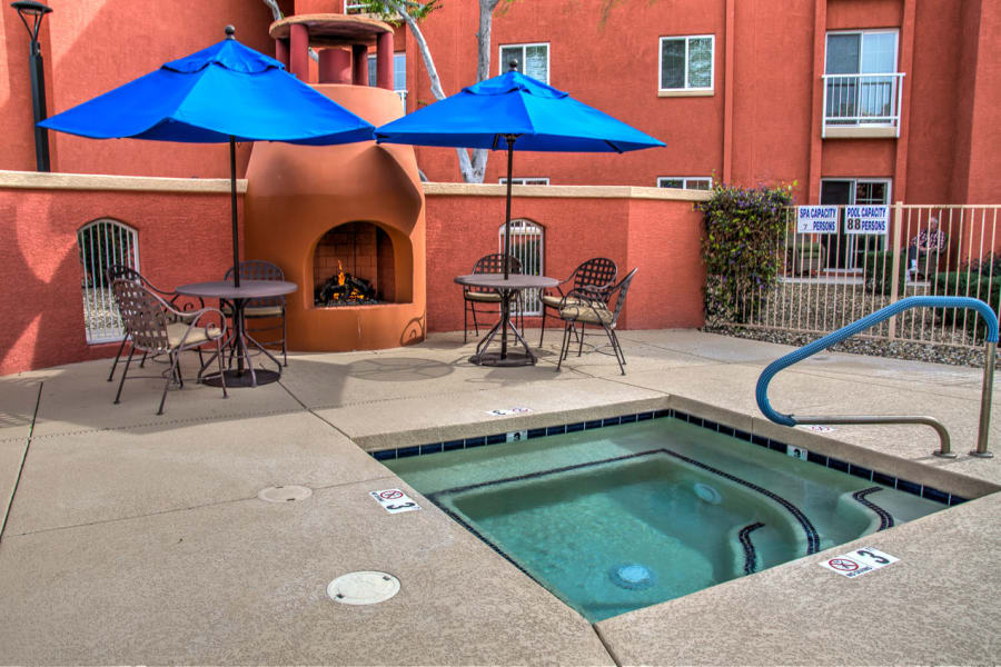 Spa near the pool at Casa Del Rio Senior Living in Peoria, Arizona