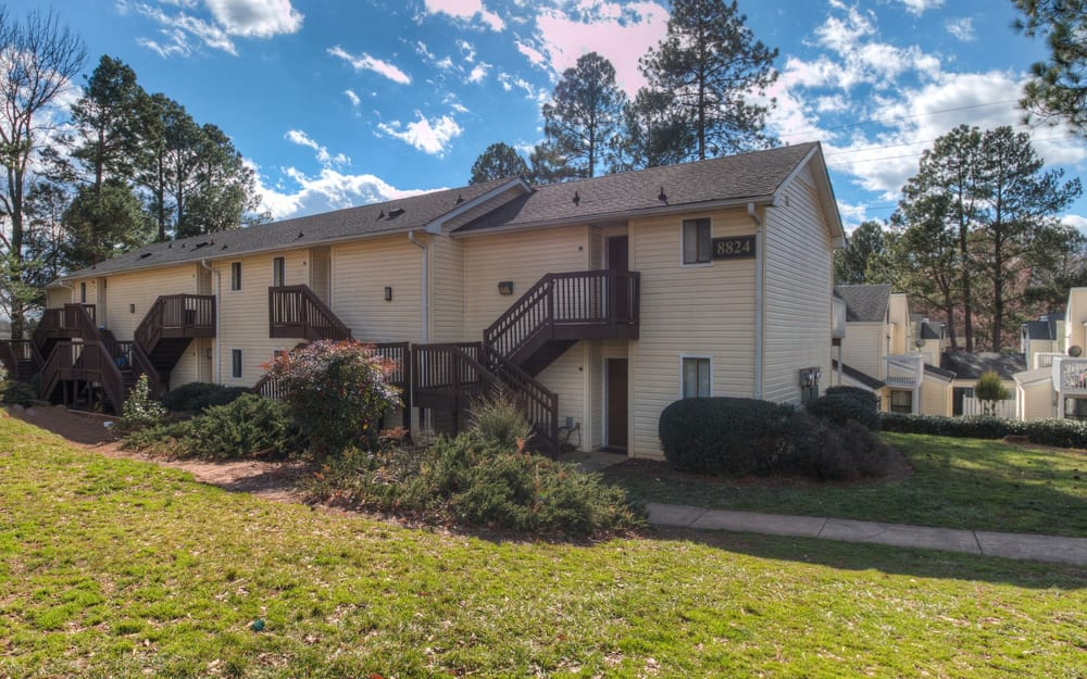 Link to neighborhood info for The Flats at Arrowood in Charlotte, North Carolina