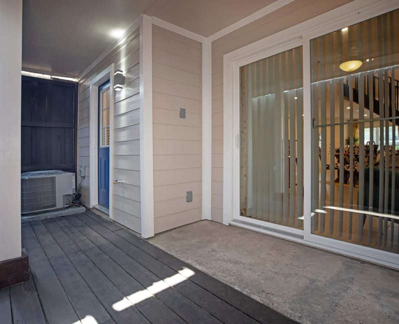 Private patio space at Roundhill Townhomes in Houston, Texas
