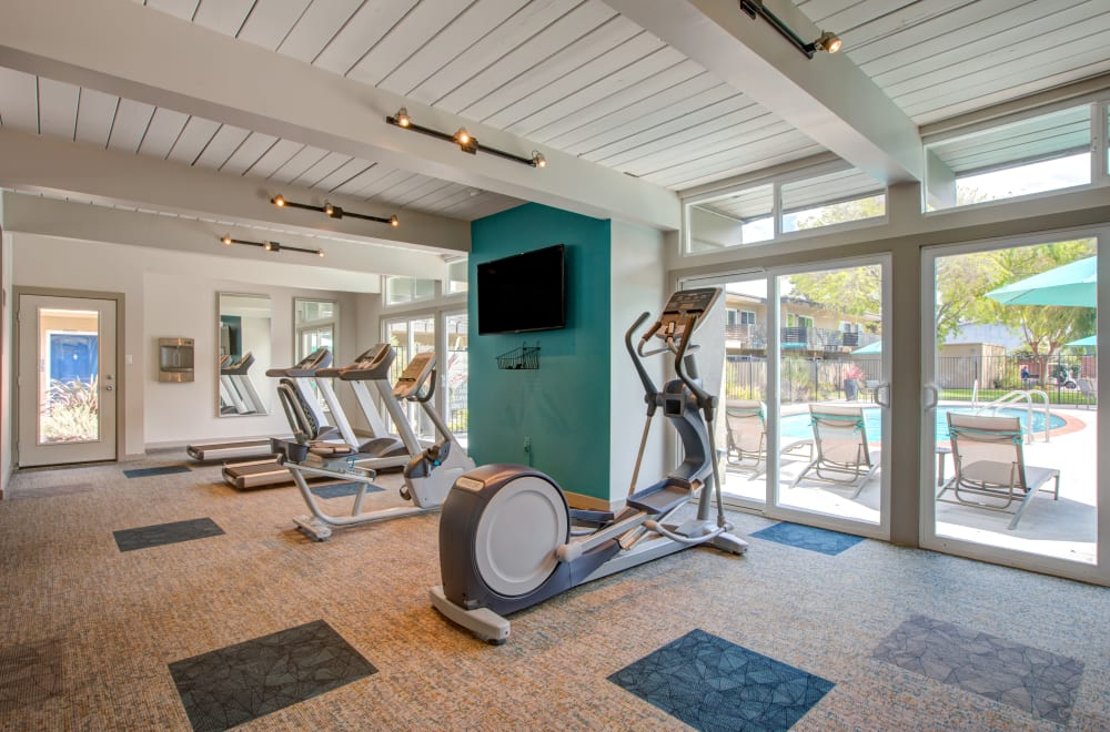 Mosaic Hayward in Hayward, California offers a modern fitness center
