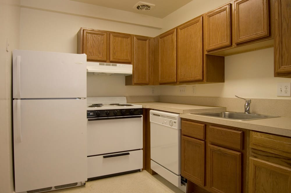 Well equipped kitchen at Highland Ridge