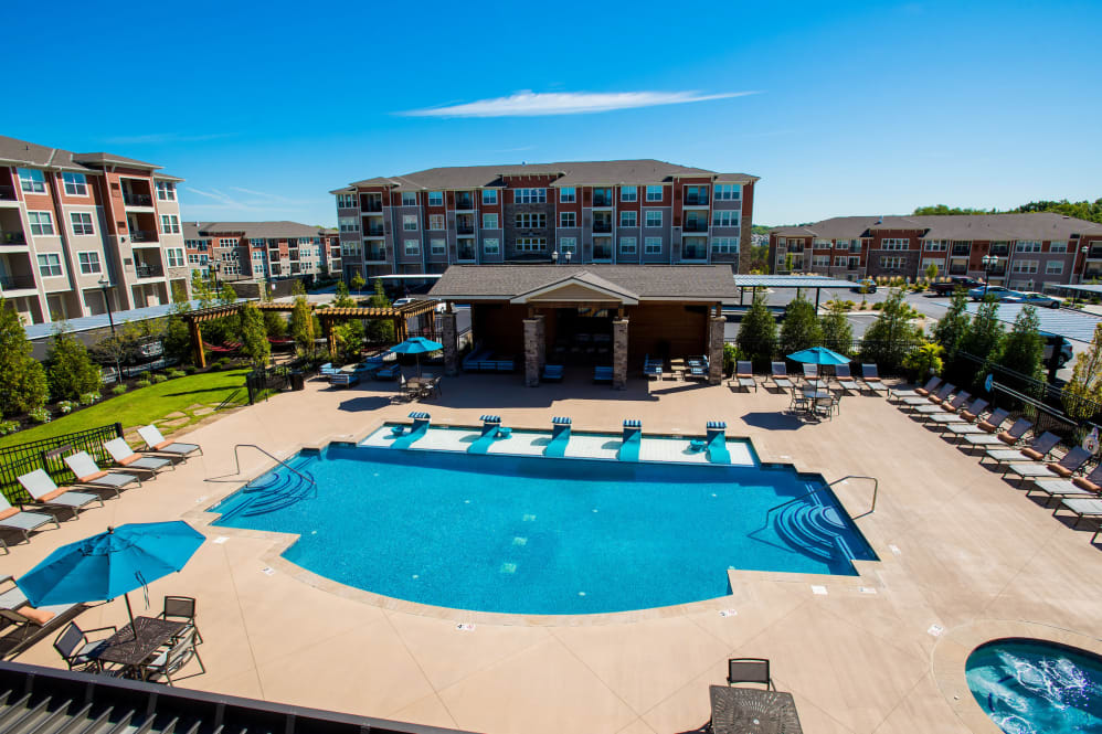 Large resident swimming pool at Altitude 970 in Kansas City, Missouri.