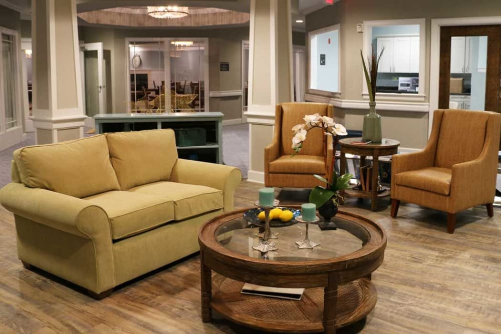 Lounge area at Arbor Landing at Hampstead in Hampstead
