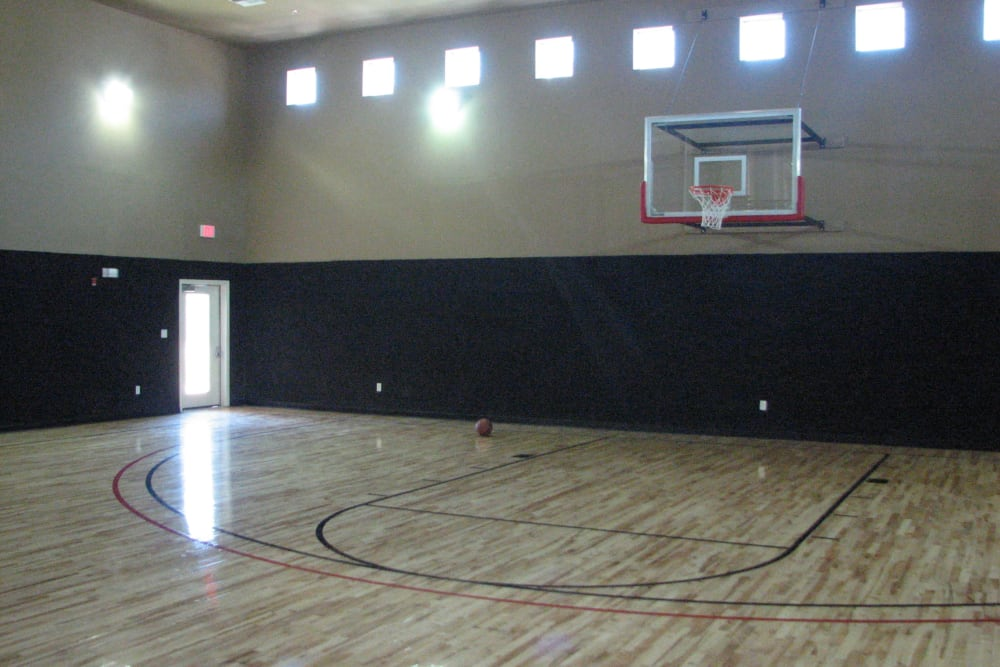 Basketball field at The Abbey on Lake Wyndemere in The Woodlands