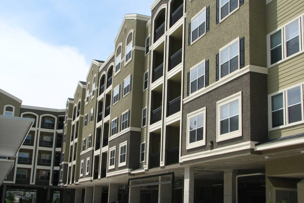 Exterior view of apartments in The Woodlands, TX
