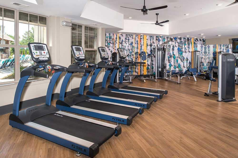 the gym at at the park apartments