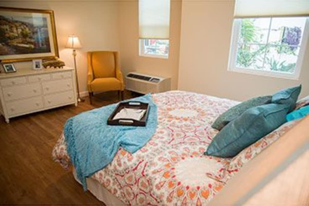 Model Memory Support bedroom at Symphony at Stuart