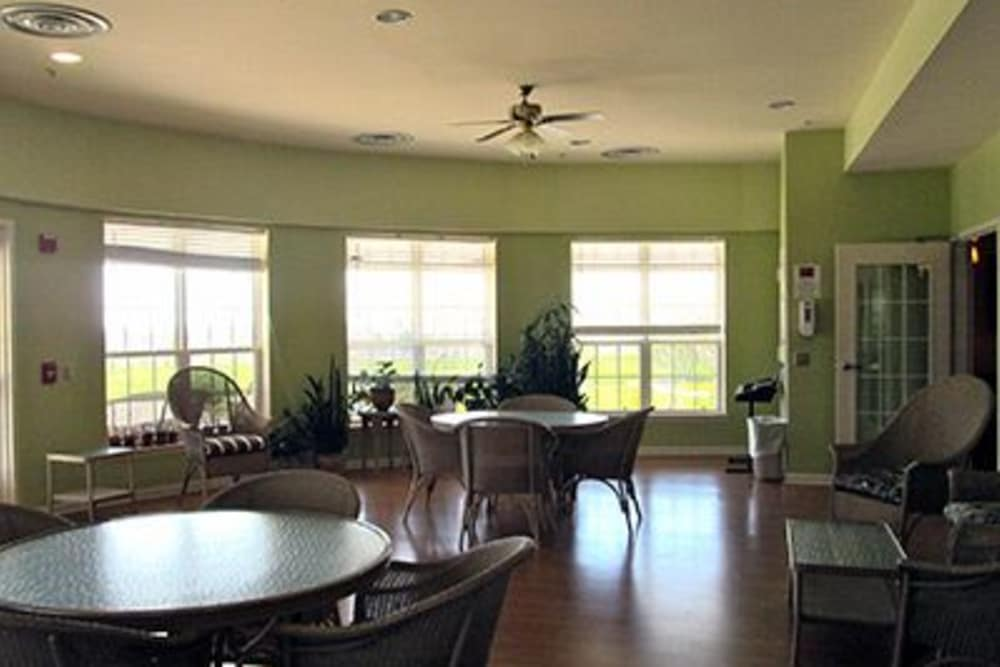A large and spacious dining room at Tranquillity at Fredericktowne.