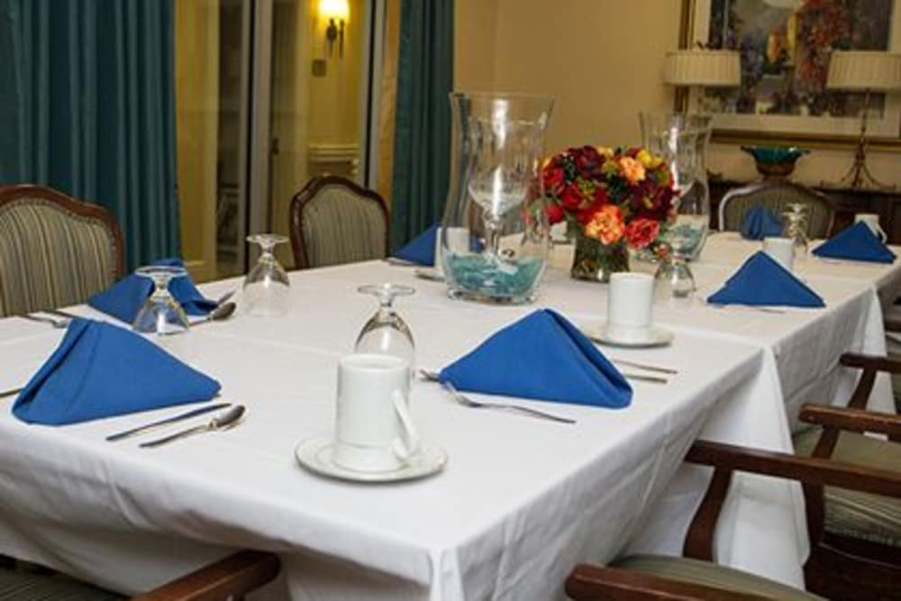 Dining table at Woodholme Gardens