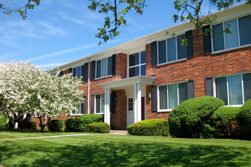 The Meadows on Balfour has the comfort you're looking for in Harper Woods apartments