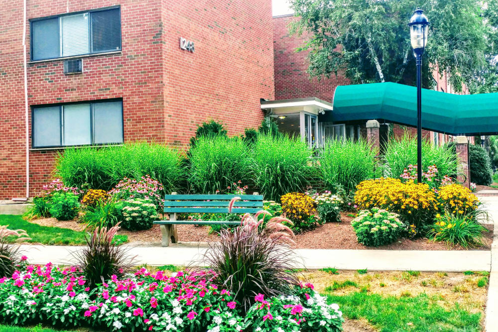 Exterior view of gardens at Westgate West Hartford in {location_city}}