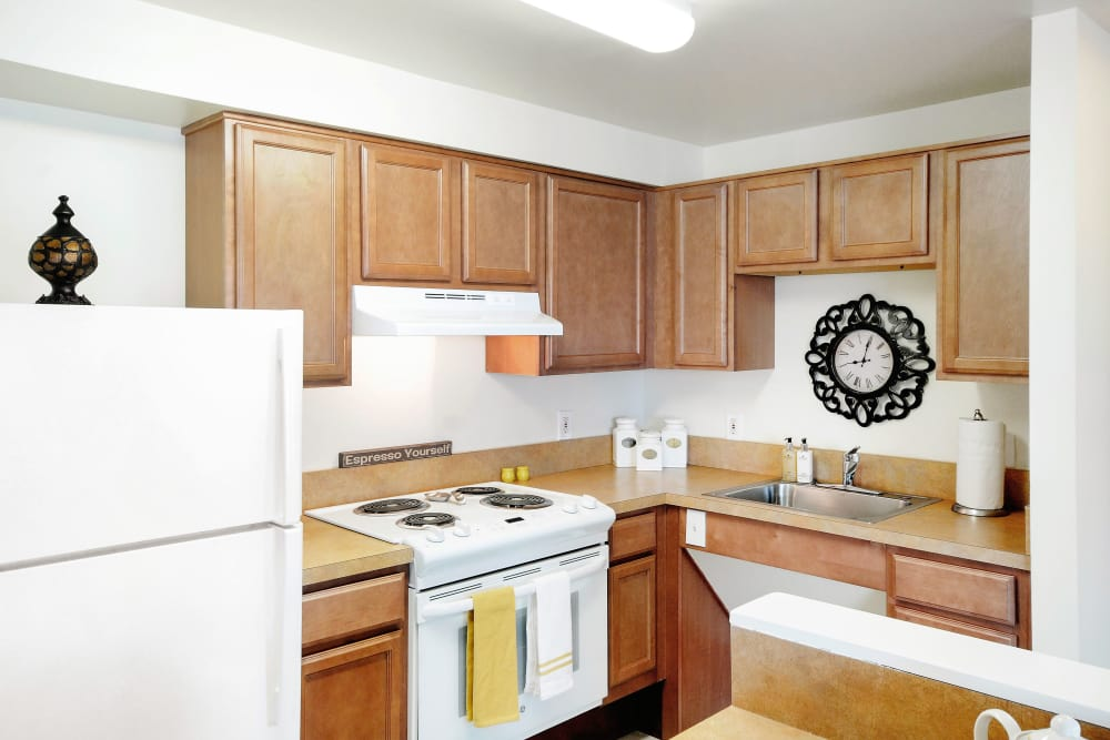 White appliances at Edgewood Commons