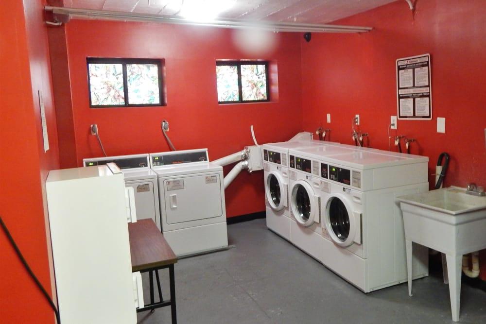R Street laundry