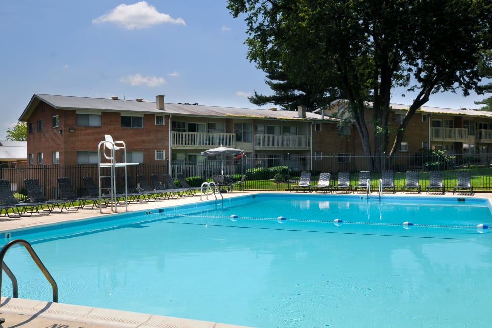 Large pool at Fireside Park Apartments