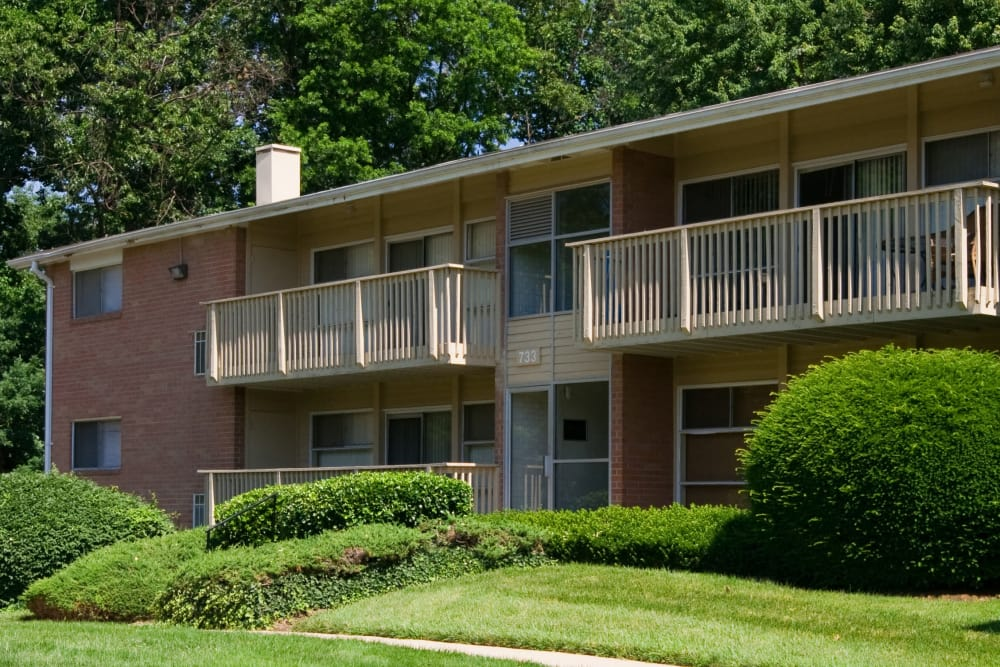 Exterior of Fireside Park Apartments