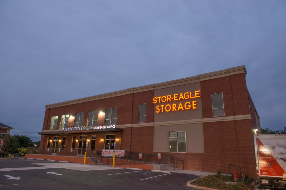 Walk into the entrance here at Stor-Eagle and you'll feel the welcoming warmth of our staff.