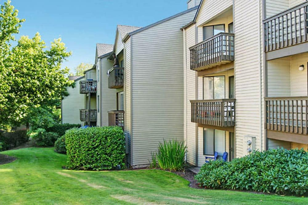 Exterior view of apartments in Beaverton, OR