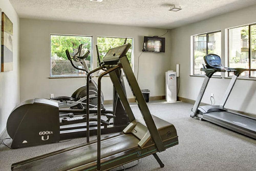 Fitness center at Willow Grove Apartment Homes in Beaverton, OR