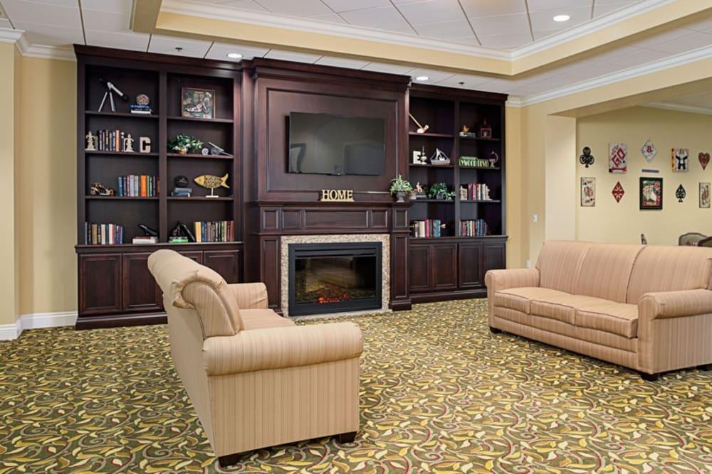 Common TV room at Grand Villa of DeLand in Florida