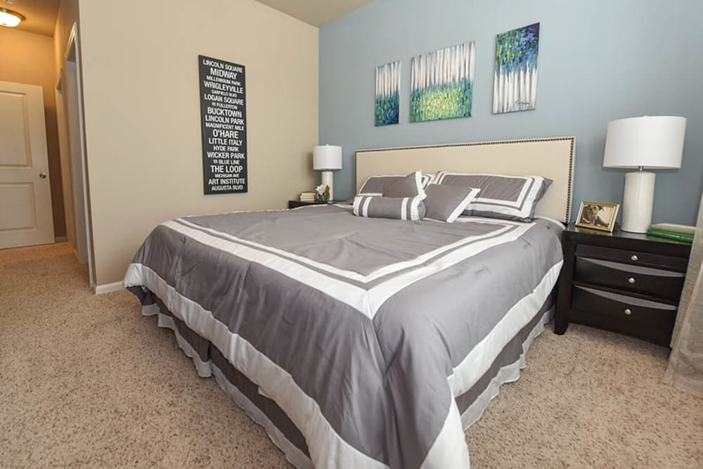 Springs at Eagle Bend offers a beautiful bedroom in Aurora, Colorado