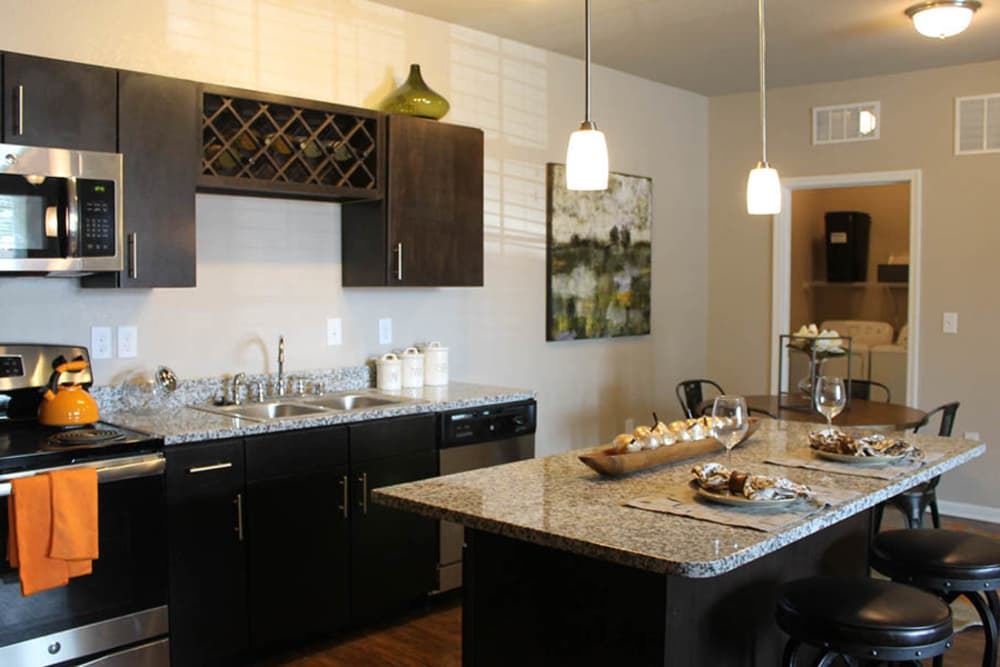 Springs at Eagle Bend offers a beautiful kitchen in Aurora, Colorado