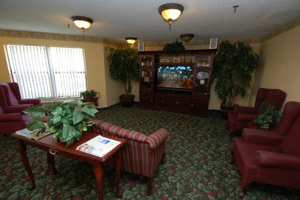 Common TV room at Grand Villa of Ormond Beach in Florida