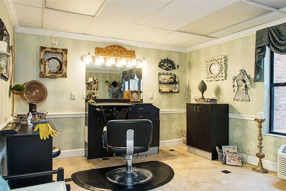 Salon at Grand Villa of Ormond Beach in Florida